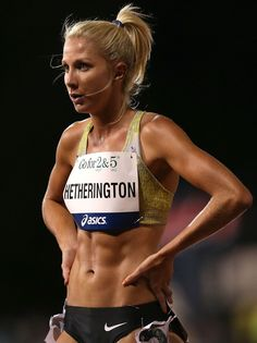 If anyone ever again says that fit,strong women are not hot. Yeaah I bet thay aren't..