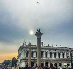 Anochece en Venecia #venecia #italia #italy #venezia #sunset #sanmarcos #travelgram #travelporn #instatraveling #ny #travelphotographer #travelphotos #travelpic #mytravelgram #traveltheworld #travelpics #travelphoto #travel_captures  #igtravel #travelphotography #travelawesome #instatravel #travell #travelingram #traveler #travelers #travels #traveling #traveller #travel