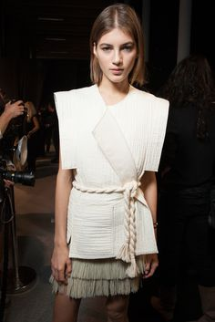 Isabel Marant Spring 2015 Ready-to-Wear Beauty Photos - Vogue