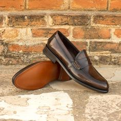 The loafer is a classic shoe that will provide comfort and style. Loafers are a laceless shoe that are easy to take on and appropriate for the weekends as well as the office.  Made in Europe #merrimium #bespoke #fashion #luxury #shoes #style #stylish #leather #handmade #mensstyle #mensshoes #quality #fashionable Custom Design Shoes, Loafers For Women, Your Shoes, Calf Leather, Designer Shoes, Women's Loafers, Dress Shoes, Women's Shoes, Calves