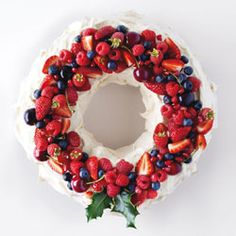Christmas wreath pavlova - easy to make and quite delicious with any fresh fruit on top. @Joanne Scanlon