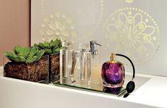 Cactos são ótima opção para você que não domina a arte das plantas, mas quer um toque de natureza no banheiro.