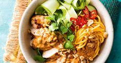 You& go nuts for this spicy chicken breast Asian power bowl. With a little coconut and noodles to keep things fresh, it& fast become a weeknight favourite. Asian Recipes, Healthy Recipes, Ethnic Recipes, Almond Recipes, Midweek Meals, Quick Meals, Chicken Satay, Noodle Bowls, Noodles