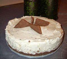 Valkosuklaa ja daim yhdessä muodostavat herkullisen liiton. Raikas ja samalla suklainen kakku sulattaa taatusti sydämmesi maistettu...