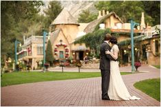 La Caille french inspired wedding | Bride and Groom Portrait Idea | Logan Walker Photography