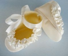 Baby Shoes - Booties with Ruffled Ribbon Sewing Pattern - PDF ePattern.
