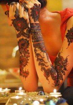 Like Tattoo: Henna tattoo designs and how long do henna tattoos last ? Henna Tattoos, Henna Tattoo Designs, Henna Mehndi, Body Art Tattoos, Henna Ink, Arabic Mehndi, Mehndi Tattoo, Design Tattoos, Hand Henna