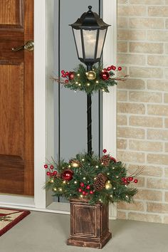 Holiday Indoor Outdoor Lighted Lamp Post Topiary – The Best DIY Outdoor Christmas Decor Christmas Garden, Christmas Porch, Rustic Christmas, Christmas Wreaths, Christmas Crafts, Christmas Ornaments, Christmas Topiary, Christmas Lamp Post, Handmade Christmas
