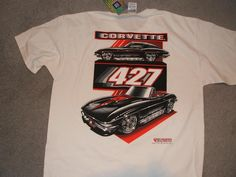 427 Chevy Corvette Extra Large (XL) White Short Sleeve New Tee Shirt w/tags : 427 Corvette printed on both sides of a extra large (XL) white short sleeve tee shirt, new with tags. On the front is 427 and Corvette, on the back is two 427 Vettes. This artwork is done by a well known car artist Greg Tedder   ...