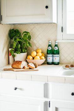 Pin By Yulia Kogan On Kitchen In 2019 Rental Kitchen Makeover Rental Kitchen Kitchen Interior