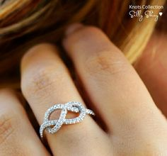 Infinity ring: GORGEOUS!! this ring is perfection!