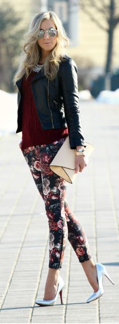 These floral pants aren't bad once they're edged up with a leather jacket! - 2015 Floral Pants For Women - Street Style Trends Street Style Trends, Street Style Women, Mode Outfits, Casual Outfits, Look Fashion, Autumn Fashion, Fashion Shoes, Look 2015, 2015 Fashion Trends