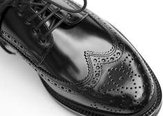 ¿Buscas ser el invitado perfecto en la boda de tu mejor amigo? Conoce la amplia gama de zapatos con alzas para bodas en Masaltos.com #bodas #novios https://www.masaltos.com/es/zapatos-novios-crecer-altura.php