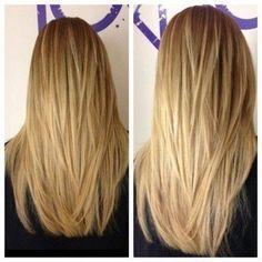 Lange Haare mit AV-Form-Schnitt an der Rückseite Frauen Frisuren Lange Layered Haircut Rückansicht