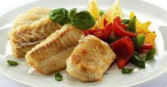Fuja do tradicional bacalhau e varie nos pratos de Páscoa. Selecionamos 10 receitas de peixe para você experimentar. Caldo de camarão Além de ser usada como entrada ou sopa, a receita de caldo de camarão é versátil e pode ser servida como um molho prático p