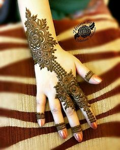 Explore latest Mehndi Designs images in 2019 on Happy Shappy. Mehendi design is also known as the heena design or henna patterns worldwide. We are here with the best mehndi designs images from worldwide. Mehndi Designs Book, Mehndi Designs 2018, Modern Mehndi Designs, Mehndi Design Pictures, Mehndi Designs For Girls, Wedding Mehndi Designs, Beautiful Henna Designs, Dulhan Mehndi Designs, Mehndi Patterns