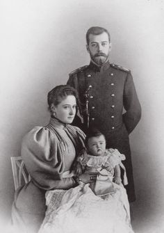 In mid-November when Alexandra began her labor, artillery-men in Kronstadt and St. Petersburg were posted beside their guns. A salute of 300 rounds would announce the birth of a male heir, 101 would mean that the child was a girl. Royal Family Portrait, Family Portraits, Olga Romanov, Royal Family Trees, Familia Romanov, Romanov Sisters, Grand Duchess Olga, House Of Romanov, Tsar Nicholas Ii