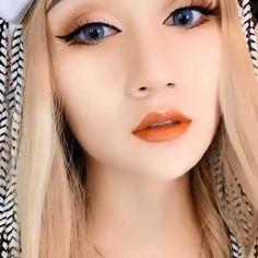 Makeup looks eyeliner , make-up sieht eyeliner aus , maquillage regarde eyeliner , maquillaj Prom Eye Makeup, Halloween Eye Makeup, Eye Makeup Art, Contour Makeup, Glam Makeup, Wedding Makeup, Hair Makeup, Twiggy Makeup, Girl Halloween