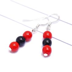Jewelry in your favorite sports team colors.  Click to buy in Etsy!  #teamcolorsbycarrie