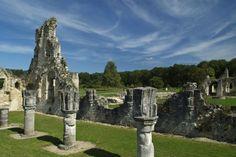 Les ruines de l'abbaye de Vauclair.