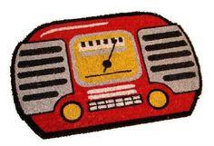 Original felpudo con forma de radio retro. Tus vecinos se morirán de envidia.  www.tatamba.com Radios Retro, Lana, Pot Holders, Shape, Gift Shops, Envy, Original Gifts, Jelly Beans, Decoration Home