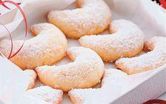 Vanilkové rohlíčky. Crescent Rolls, Doughnut, Peach, Candy, Desserts, Food, Tailgate Desserts, Deserts, Croissants