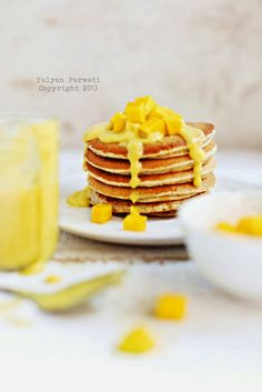whole wheat pancake with yogurt mango sauce