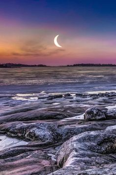 Morning Moon, Finland, by Jani Astikainen Beautiful Moon, Beautiful World, Beautiful Places, Simply Beautiful, Mother Earth, Mother Nature, Pretty Pictures, Cool Photos, Nature Landscape
