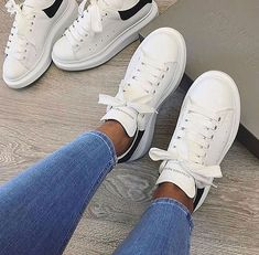 Pin by Focus Branded Catwalk Fashion on Alexander McQueen in 2019 Dress With Sneakers, White Sneakers, Sneakers Fashion, Fashion Shoes, Shoes Sneakers, Catwalk Fashion, Mcqueen Trainers, Cute Shoes, Me Too Shoes