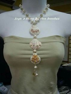 Neklace from seashells Seashell Jewelry, Seashell Necklace, Seashell Crafts, Shell Necklaces, Sea Glass Jewelry, Wire Wrapped Jewelry, Wire Jewelry, Jewelry Crafts, Jewelry Art