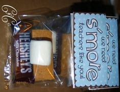 Easy S'Mores Teacher Appreciation Gift- free printable Volunteer Gifts, Volunteer Appreciation, Teacher Appreciation Week, Easy Gifts, Creative Gifts, Starburst Candy, Cute Teacher Gifts, Easy S, Farewell Gifts