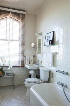 Susie Buell bathroom from remodelista Vintage Bathrooms, Dream Bathrooms, Beautiful Bathrooms, 1930s Bathroom, Bathroom Renovations, Home Remodeling, 1930s House, Bathroom Floor Tiles, Bath Tiles
