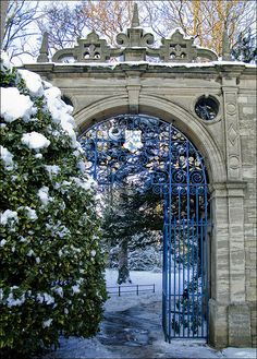 Entry Gate, Oxford University, England photo via mydiary