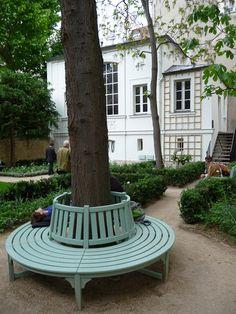 Visite du jardin du Musée Delacroix (Paris 6e) http://www.pariscotejardin.fr/2013/06/visite-du-jardin-du-musee-delacroix-paris-6e/