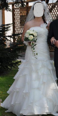 ♥ Wunderschönes, verspieltes Brautkleid Größe 40 / Ivory für DEINE Hochzeit :) ♥  Ansehen: http://www.brautboerse.de/brautkleid-verkaufen/wunderschoenes-verspieltes-brautkleid-groesse-40-ivory-fuer-deine-hochzeit/   #Brautkleider #Hochzeit #Wedding