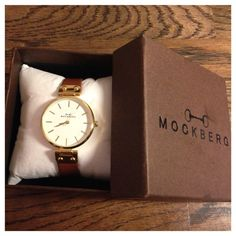 Igår fick vi våra nya klockor från Mockberg. Vi älskar dom, dom är super fina väldigt klassiska men...