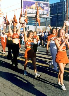 Texas Longhorns Cheerleaders | Texas Longhorn Cheerleaders, Cotton Bowl Parade | Flickr - Photo ...