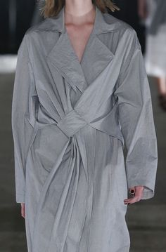 Grey draped coat; runway fashion details // Damir Doma Spring 2016