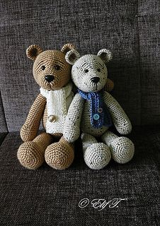These bears are ADORABLE!!!  Pattern available on Ravelry