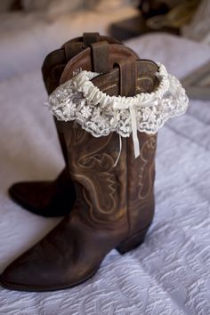 Bridal cowboy boots. Wedding photography by Sara Ozim with SO Photography