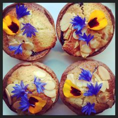 bakewell tarts with edible flowers from greensofdevon.com