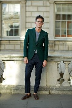forest green blazer for a subtle statement. this might be one of the men outfits i like the most.