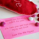 Valentine's Day felt heart candy holder | tutorial