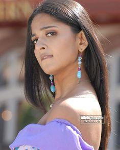 Anushka Shetty Looking Beautiful Face Expression Anushka Photos, Actress Anushka, Cinema Actress, Face Expressions, Indian Celebrities, Female Celebrities, South Indian Actress, South Actress, India Beauty