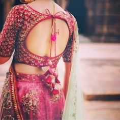 Blouse back neck designs are everything when it comes to picking a good blouse. Here are 40 latest blouse back neck designs that will inspire you to stitch the best blouse for your big day! Sari Design, Choli Blouse Design, Saree Blouse Neck Designs, Fancy Blouse Designs, Bridal Blouse Designs, Choli Back Design, Indian Blouse Designs, Full Sleeves Blouse Designs, Blouse Neck Patterns