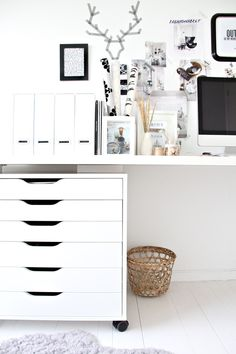 gorgeous white office space