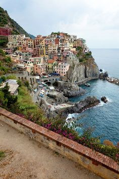 The Enchanting Cinque Terre: Fiat-Free Italy by Rick Steves www.cruiserunners.com