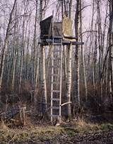 Home Deer Stands - Yahoo Image Search Results Deer Blinds, Deer Hunting Blinds, Homemade Tree Stand, Tripod Deer Stand, Tree Stand Hunting, Shooting House, Little Cabin, Survival, Outdoor Structures