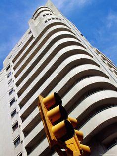 Edificio Lapido, Built in 1930 Art Deco Style, Avenida 18 de Julio, Montevideo, Uruguay Lámina fotográfica