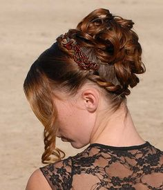 Prom Hairstyle up | Hairstyles Glow - Get update for latest hairstyles